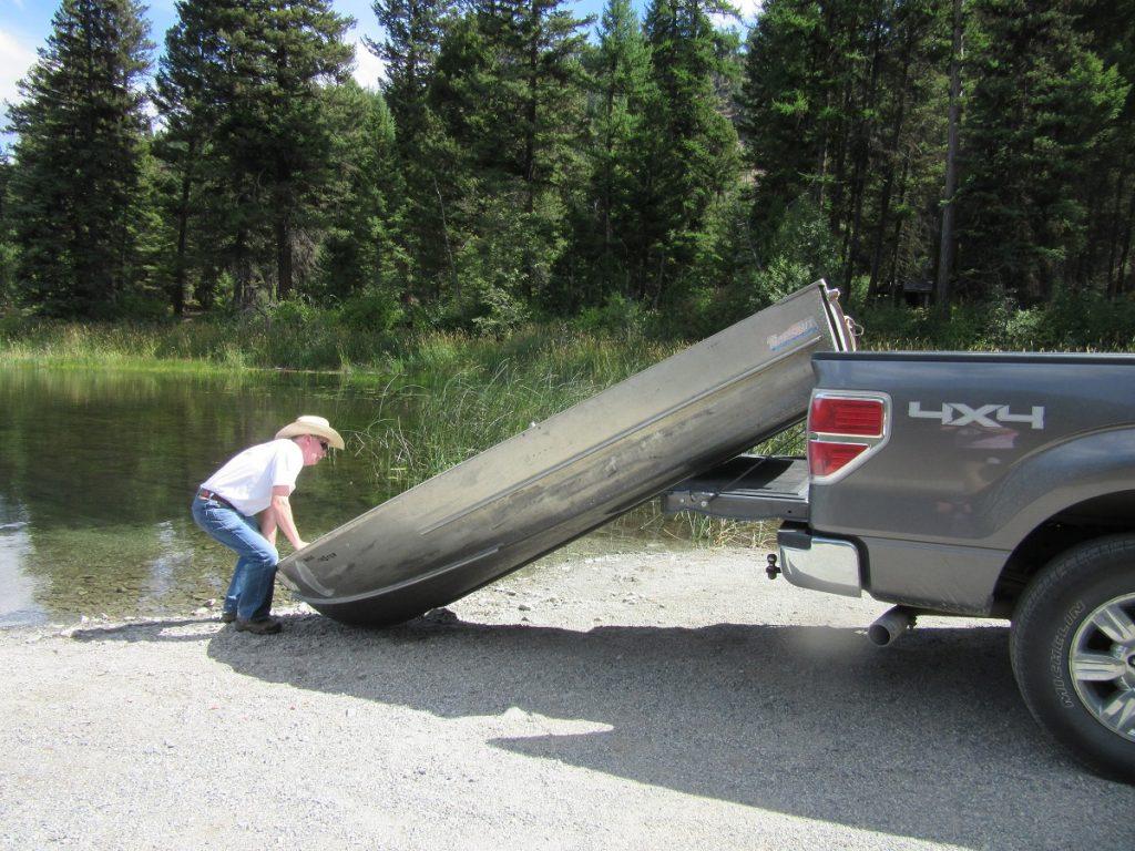 Unloading boat