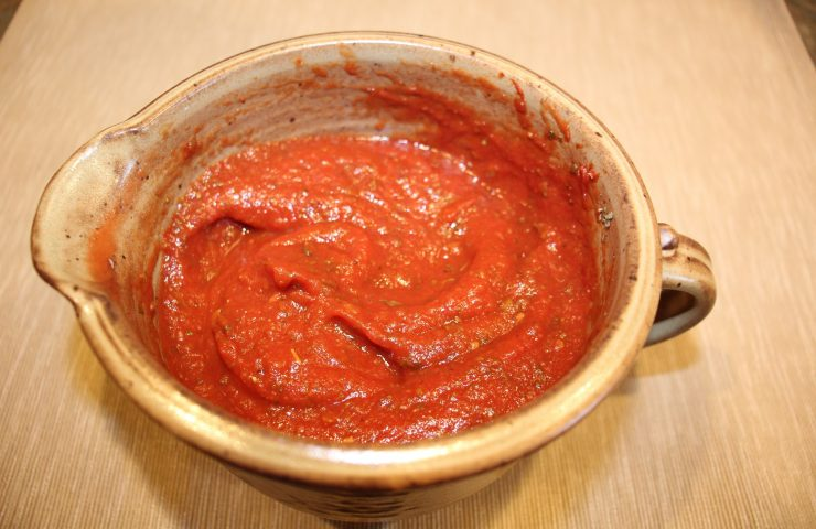 Homemade Herbed Pizza Sauce